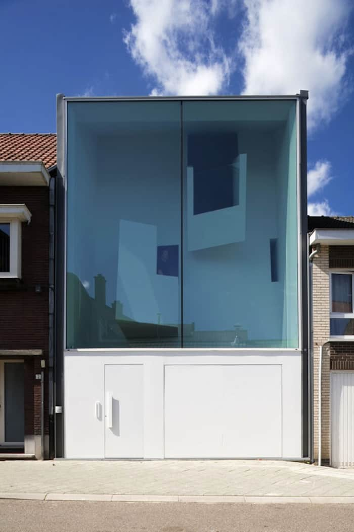 Modern Home With Live Colorful Facade Animating The Street homesthetics architecture (5)