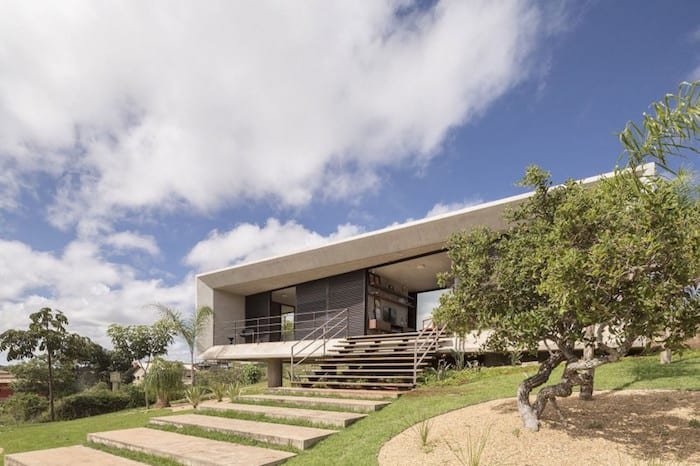 Rectangular Concrete Home With Expansive Views by Studio 3.4 Arquitectura homesthetics 1