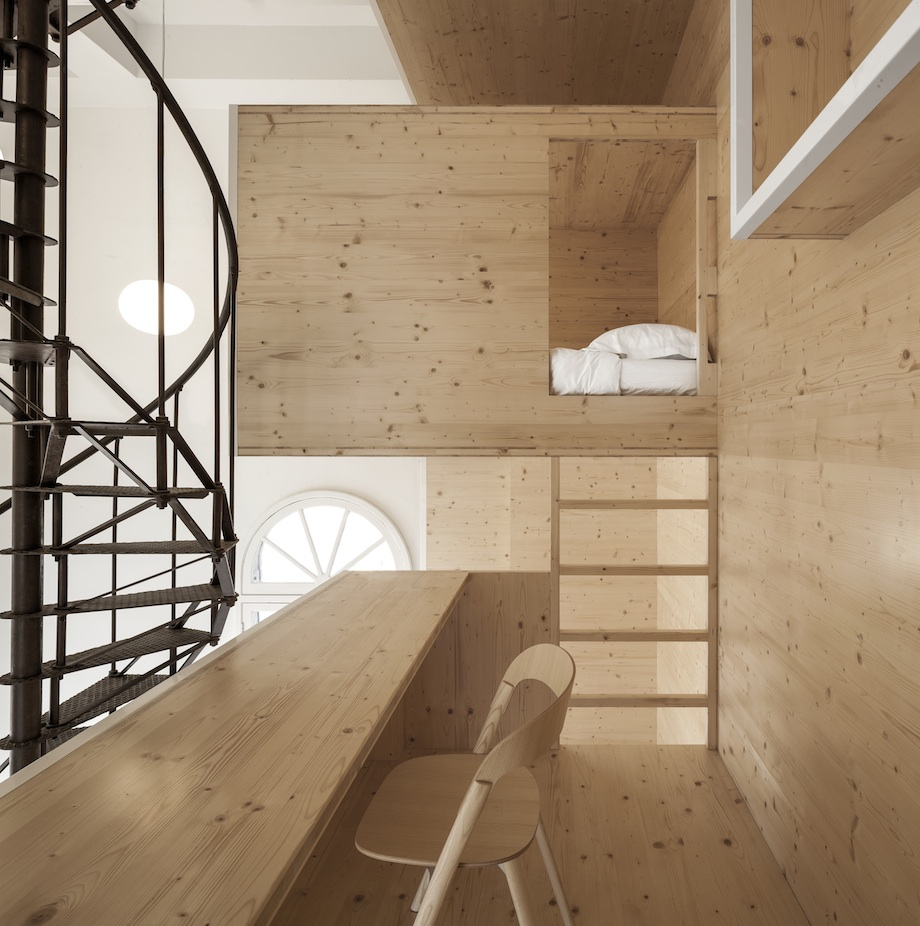 Room on the Roof Installation In The Heart of Amsterdam by i29 homesthetics (8)