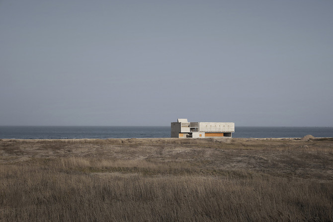 Simple Raw Beauty in a Seashore Library Designed by Vector Architects (1)