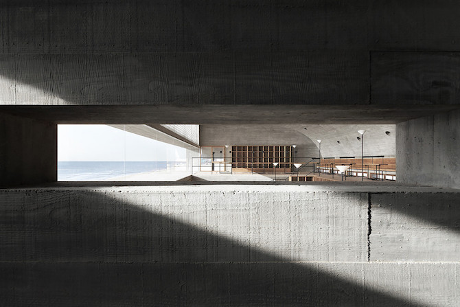 Simple Raw Beauty in a Seashore Library Designed by Vector Architects (10)