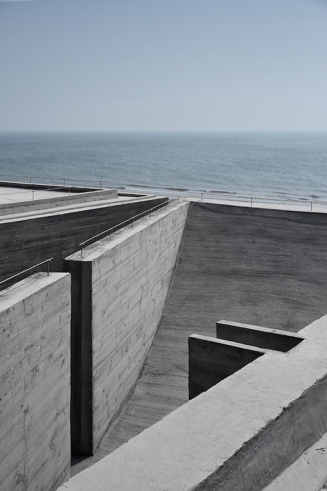 Simple Raw Beauty in a Seashore Library Designed by Vector Architects (6)