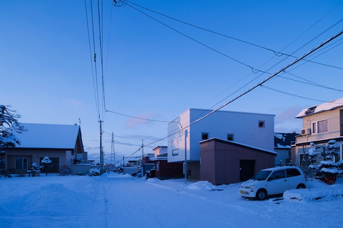 Simple and Beautiful Japanese Home Envisioned by archi LAB (1)
