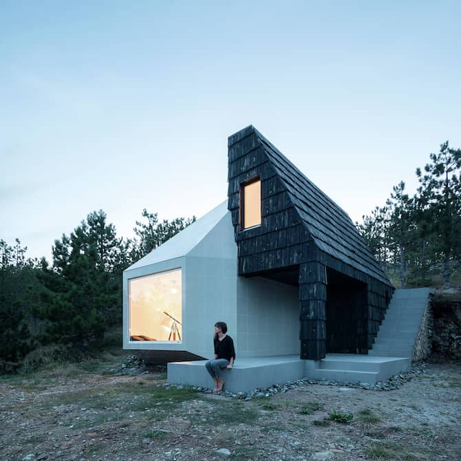 The Assymetrical Divcibare Mountain Home Nestled In Serbia By EXE Studio homesthetics architecture (10)