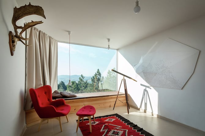 The Assymetrical Divcibare Mountain Home Nestled In Serbia By EXE Studio homesthetics architecture (7)