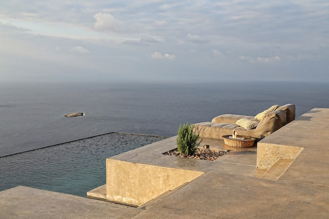 Twin Holiday Homes Forged Into Rock Overlooking The Aegean homesthetics architecture (10)
