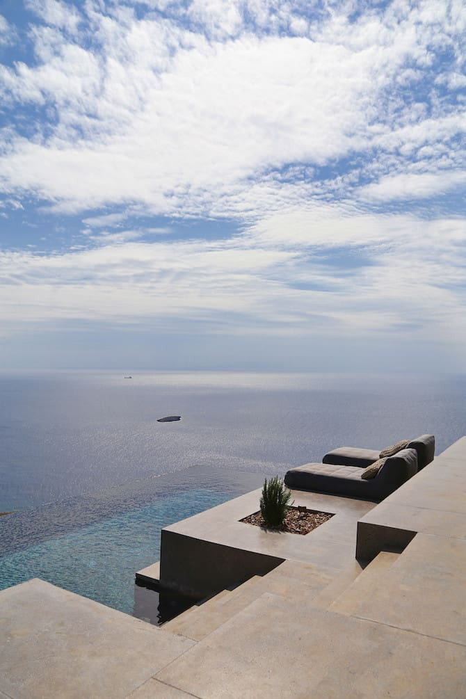 Twin Holiday Homes Forged Into Rock Overlooking The Aegean homesthetics architecture (8)