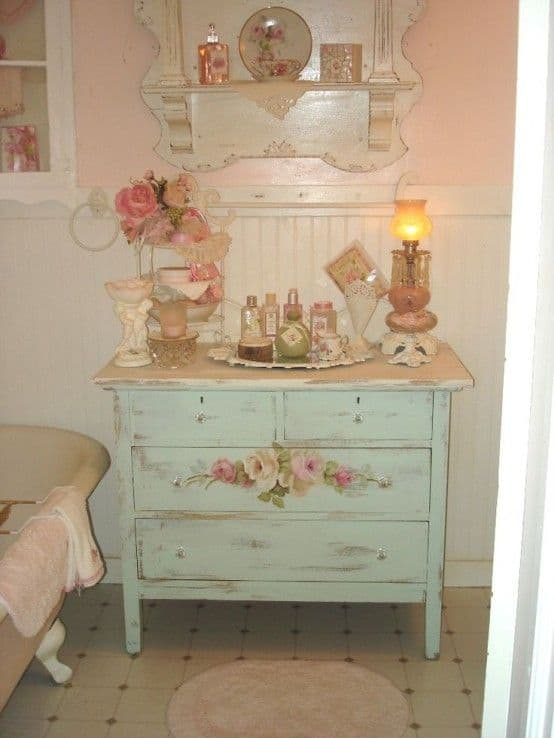 18 Shabby Chic Bathroom Ideas Suitable For Any Home (18)