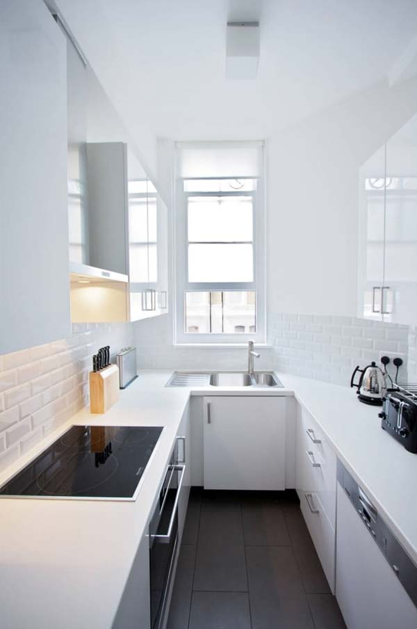 Delicieux Minimalist White Decor Flooded With Light Brings Black Elements Forward  Through Contrast.
