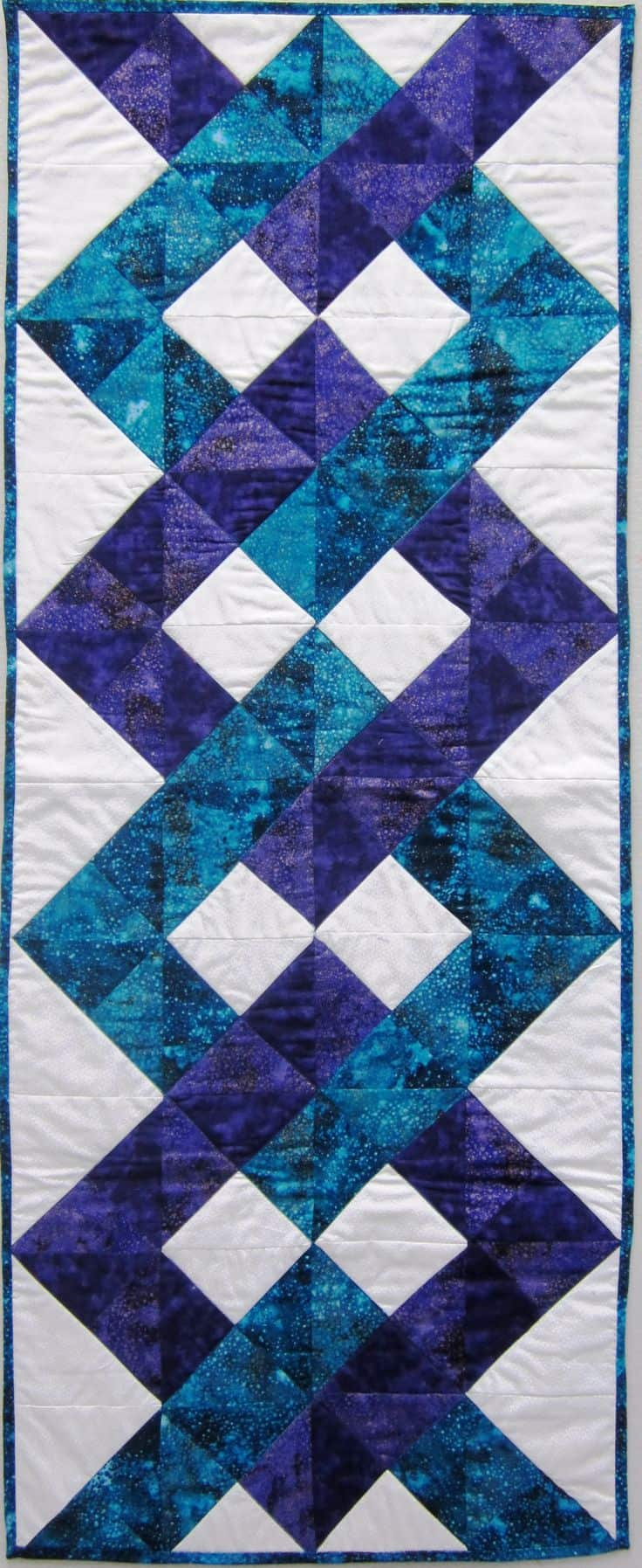 20 DIY Quilted Table Runner Ideas For All Year Round (2)