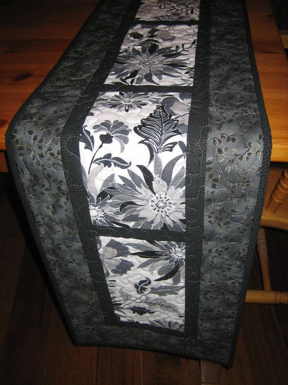 20 DIY Quilted Table Runner Ideas For All Year Round (3)