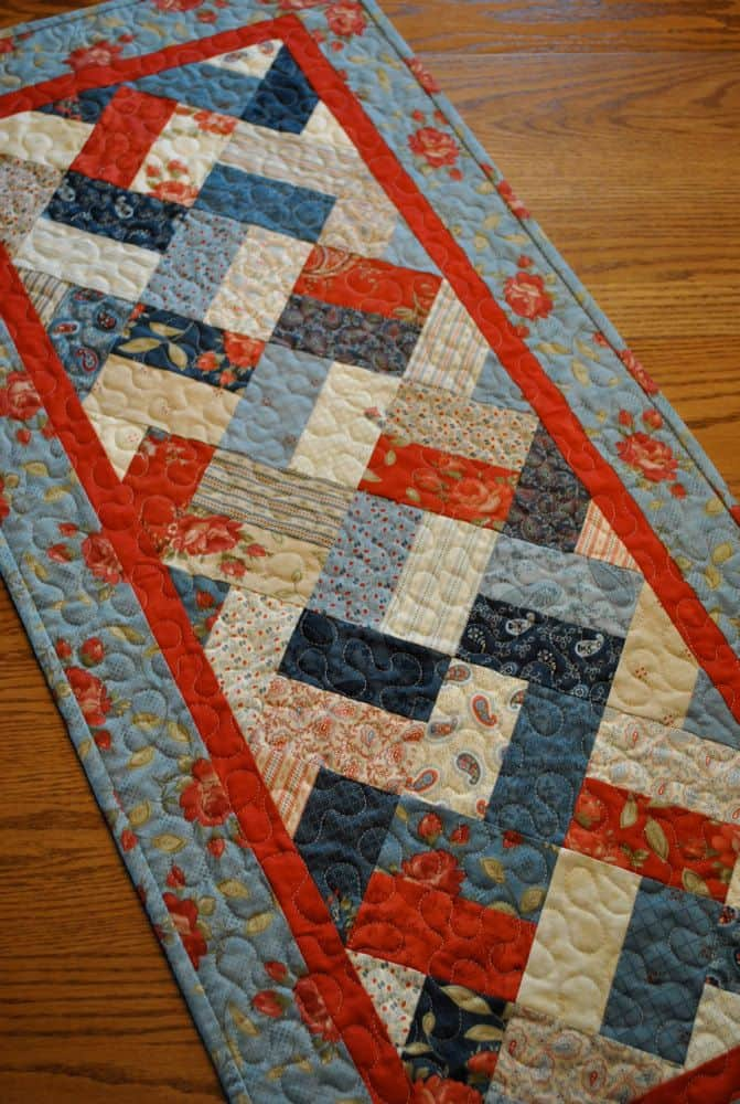 20 DIY Quilted Table Runner Ideas For All Year Round (7)