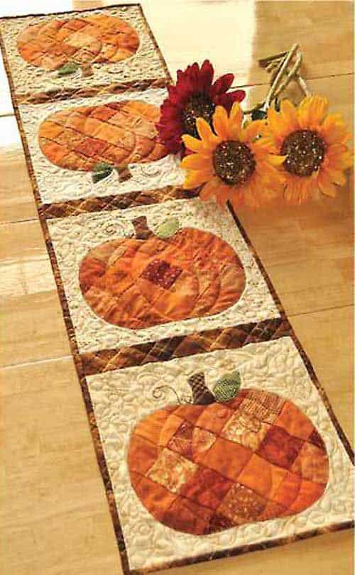 20 DIY Quilted Table Runner Ideas For All Year Round (8)