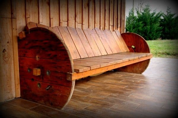 20 Furniture You Can Create Using Old Pallets (9)
