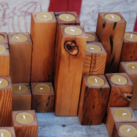 21 23 stunning wooden candle holders and candle holder for Diy wooden pillar candle holders