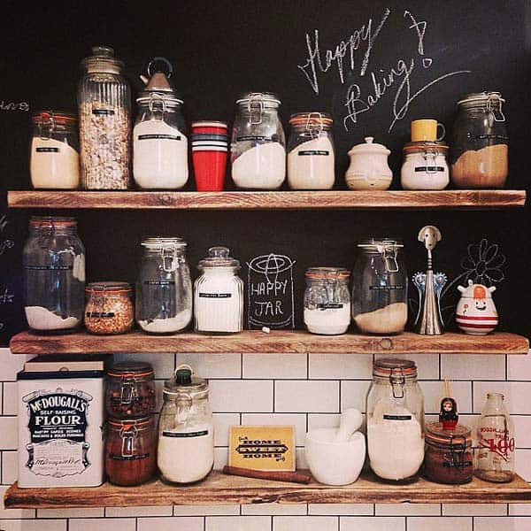 Add chalkboard in your Scandinavian kitchen design line for a delicate contrast