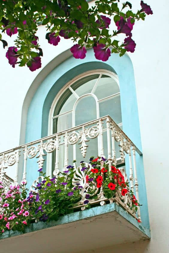 25 Charming Balconies You Will Love To Have Attached To Your Home (14)