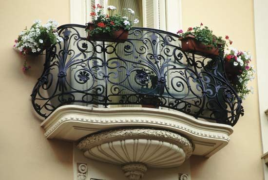25 Charming Balconies You Will Love To Have Attached To Your Home (23)