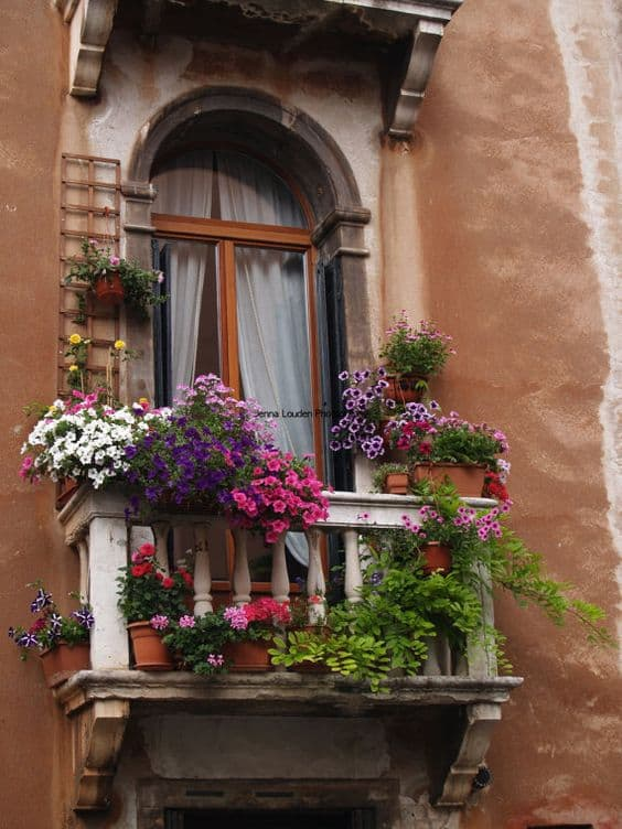 25 Charming Balconies You Will Love To Have Attached To Your Home (5)