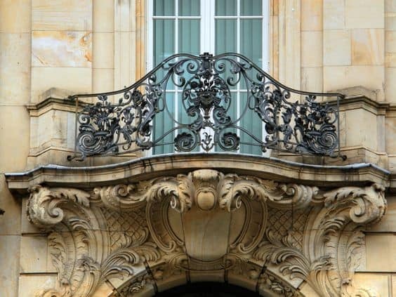 25 Charming Balconies You Will Love To Have Attached To Your Home (9)