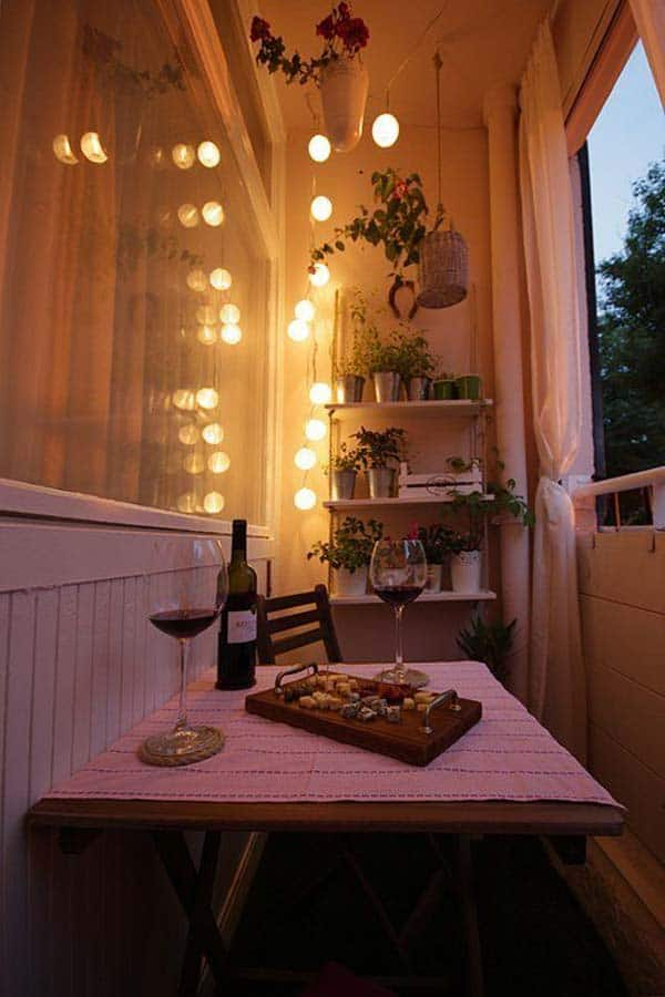 26 Small Furniture Ideas to Pursue For Your Small Balcony homesthetics magazine (18)