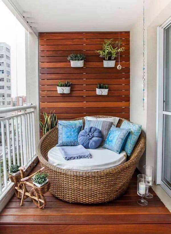 26 Small Furniture Ideas to Pursue For Your Small Balcony homesthetics magazine (19)