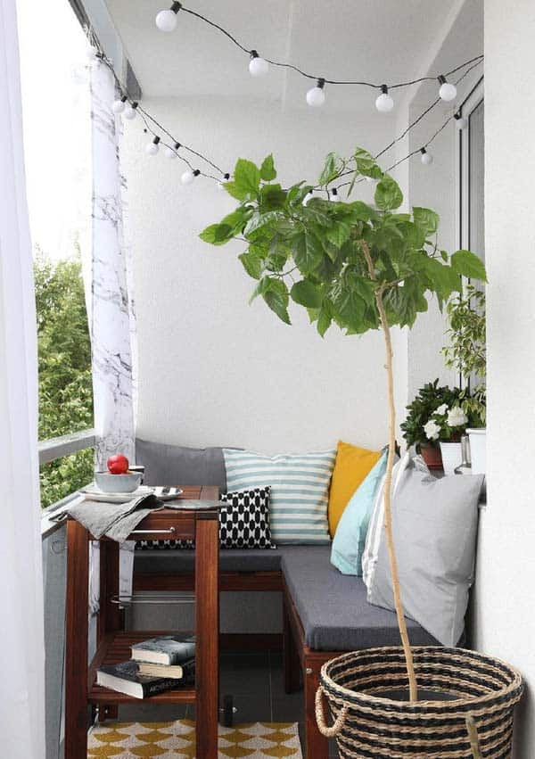 26 Small Furniture Ideas to Pursue For Your Small Balcony homesthetics magazine (26)