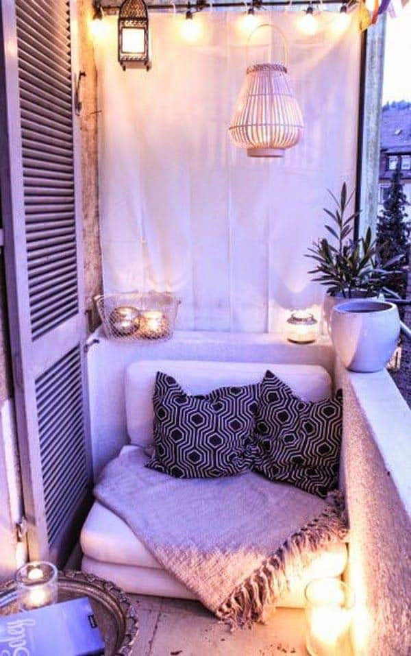 26 Small Furniture Ideas to Pursue For Your Small Balcony homesthetics magazine (6)