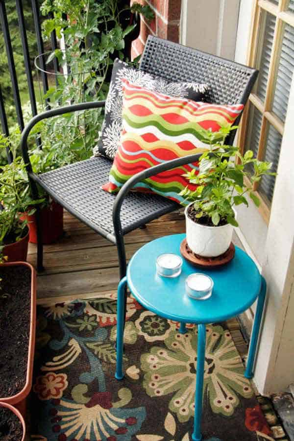 26 Small Furniture Ideas to Pursue For Your Small Balcony homesthetics magazine (8)