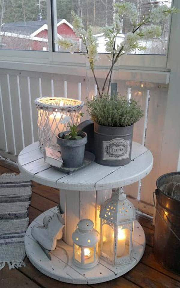 26 Small Furniture Ideas to Pursue For Your Small Balcony homesthetics magazine (9)