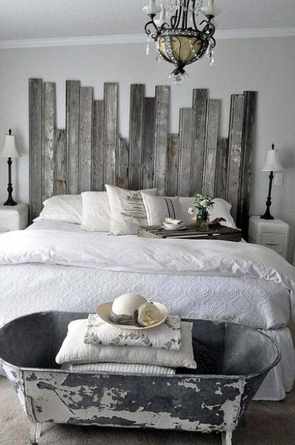 32 super cool bedroom decor ideas for the foot of the bed homesthetics inspiring ideas for for Deco chambre bois de rose