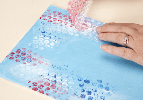 4. BUBBLE WRAP AND PAINT