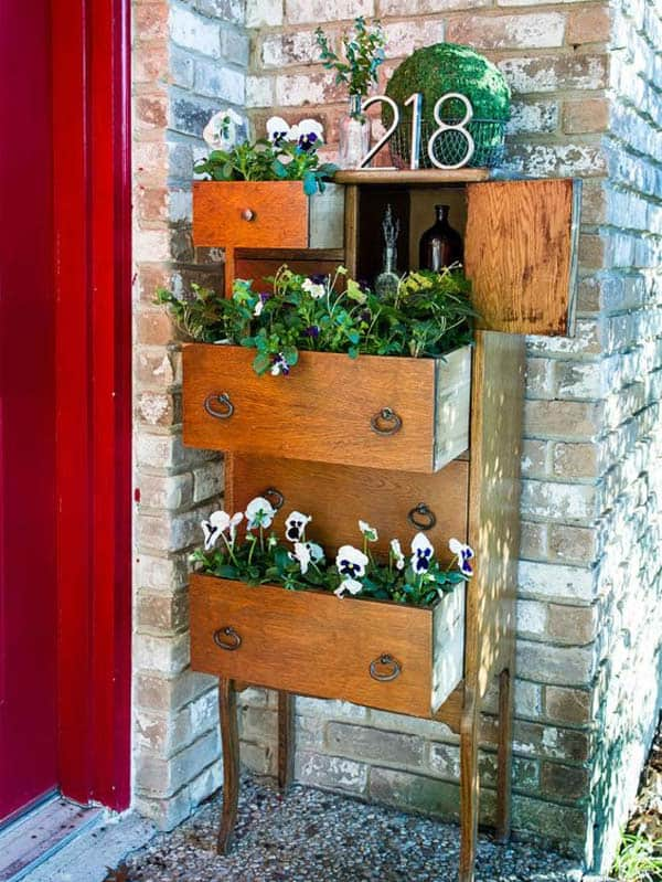13 Upcycled Furniture Ideas For Your Home And Garden Homesthetics (2)