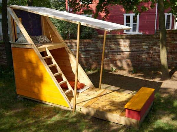 SMALL TRIANGULAR FORT WITH IT`S OWN PATIO