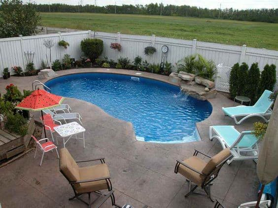 Good 19 Swimming Pool Ideas For A Small Backyard (15)