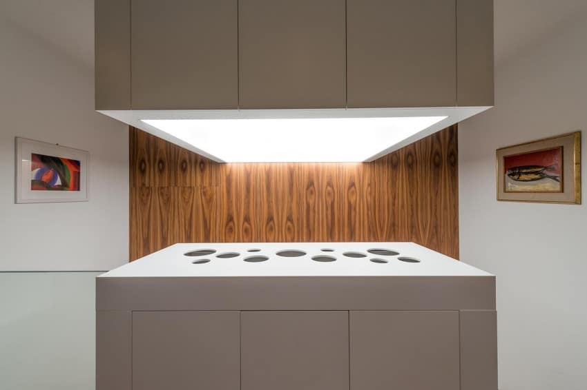 Contemporary Home Sculpted on an Atypical Plot by at26 architectur homesthetics (10)