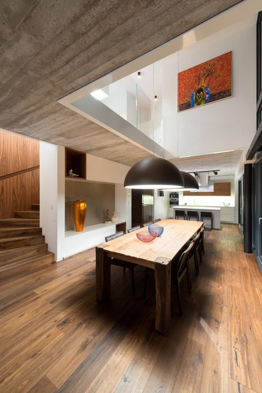 Contemporary Home Sculpted on an Atypical Plot by at26 architectur homesthetics (15)