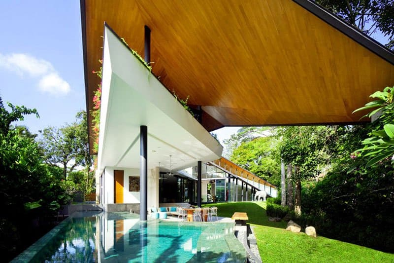 Futuristic-Modern-Mansion-Embeded-in-Nature-The-Winged-House-in-Singapore-by-K2LD-Architects-Homesthetics-3
