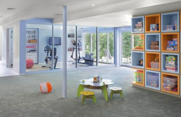 Tailoring a home gym by a play room is an combination that works like a charm.