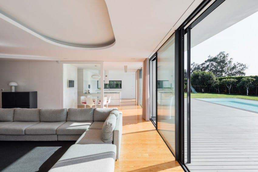 Impeccable Contemporary Home in Vila do Conde by Raulino Silva Arquitecto (4)