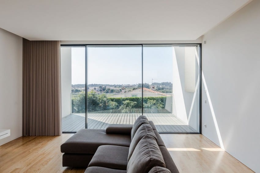 Impeccable Contemporary Home in Vila do Conde by Raulino Silva Arquitecto (8)