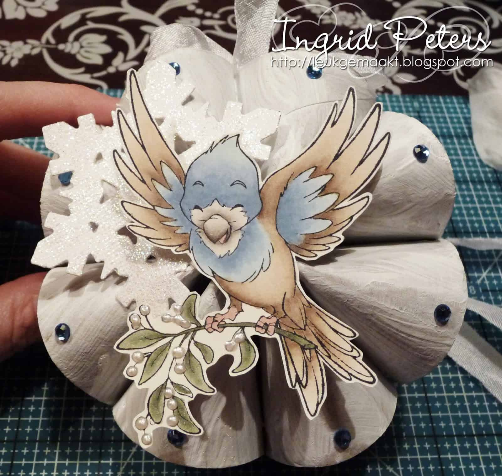 Find utility in 21 creative toilet paper roll crafts toilet paper roll art jeuxipadfo Images