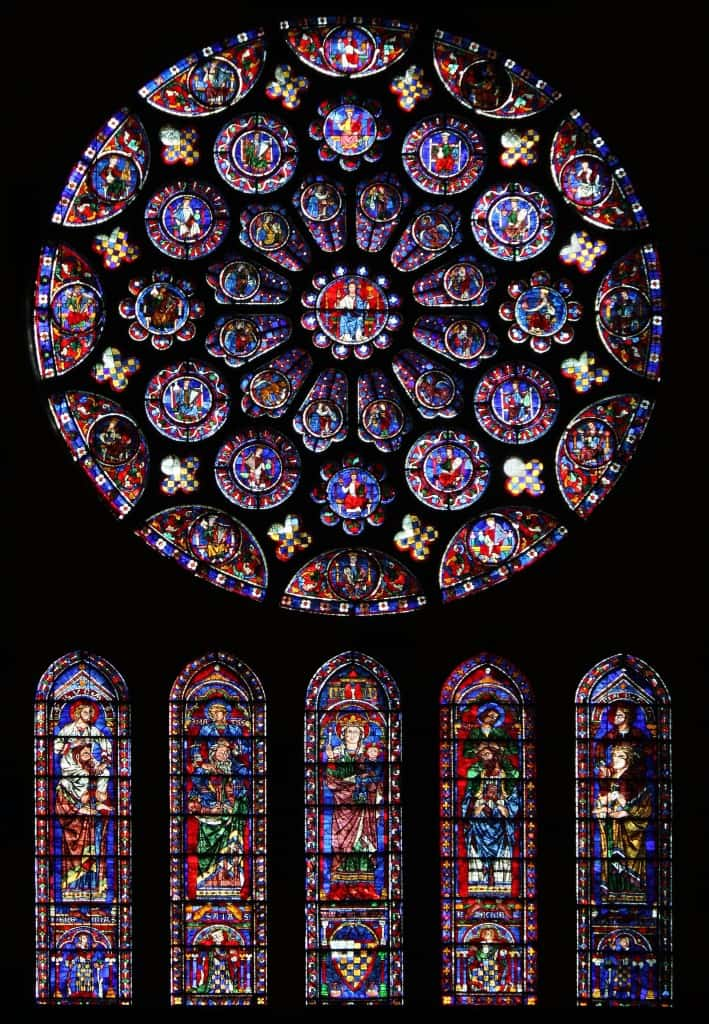 South_rose_window_of_Chartres_Cathedral01