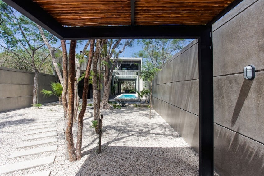 Vibrant Home in Tulum Mexico Entitled T-House homesthetics architecture (1)