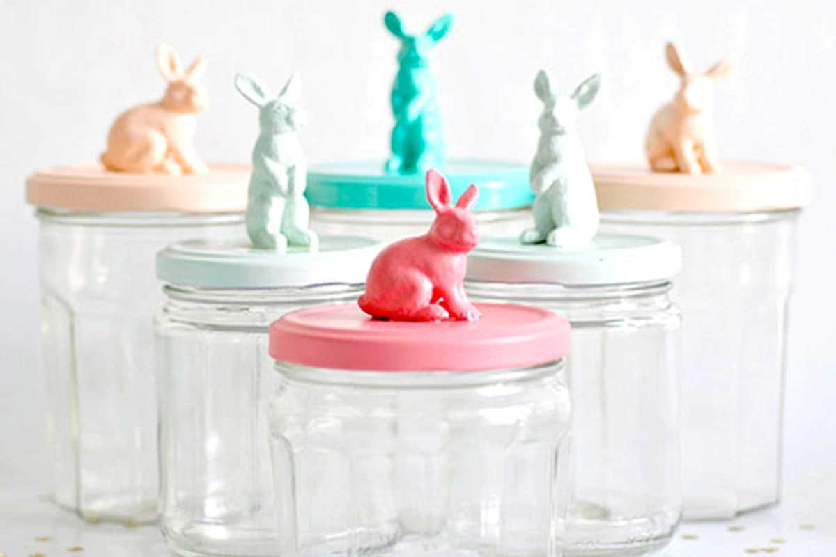 01-bunny-candy-jars-29 Splendid Easy Easter Crafts to Beautify Your Home
