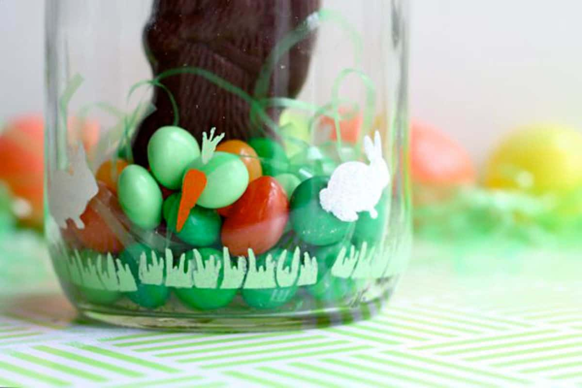 02-colorful-candy-terrarium-easter-crafts