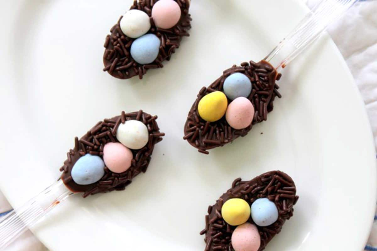 12-chocolate-easter-egg-nests-sweet-easter-crafts