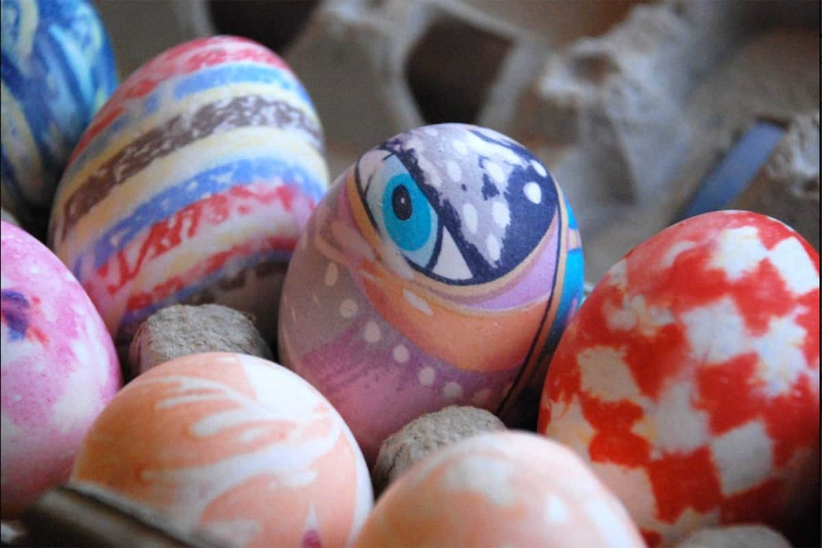 20-silk-dyed-easter-eggs-easter-crafts