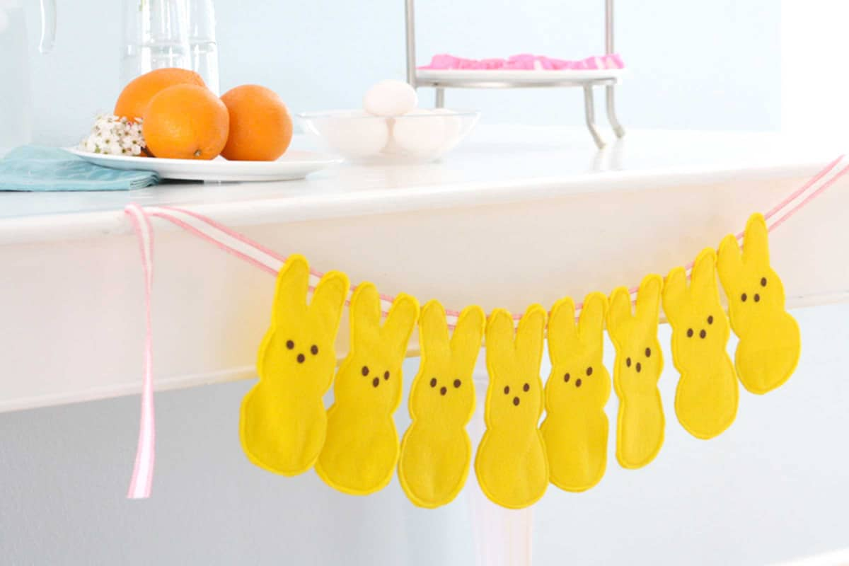 28-peeps-bunny-bunting-felt-easter-crafts