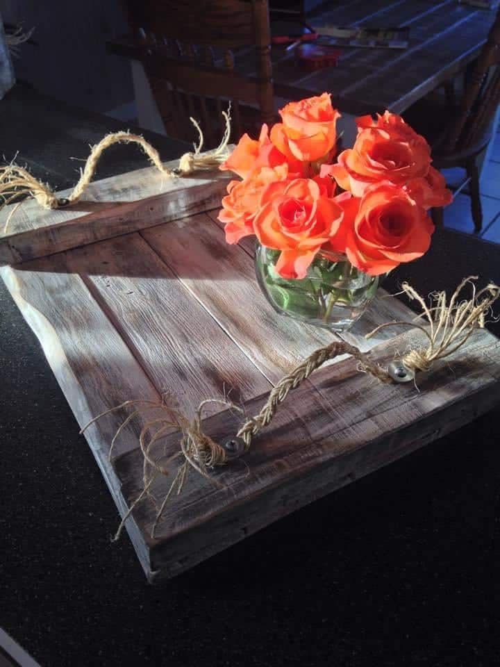 #7. PALLET PROJECTS - ROPE AND WOOD BREAKFAST IN BED TRAY